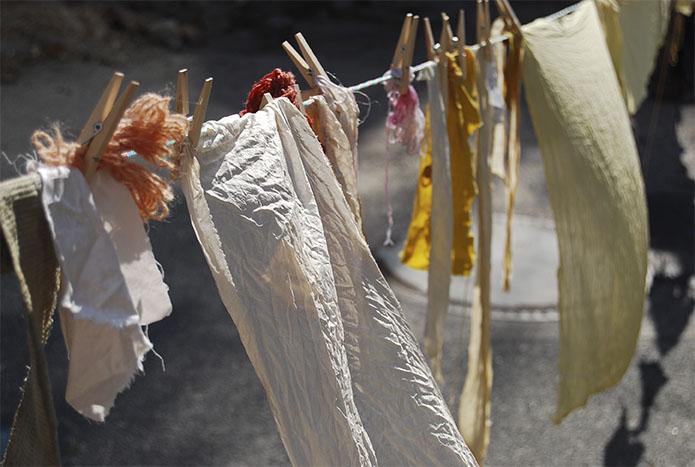 Textilien färben mit Pflanzen